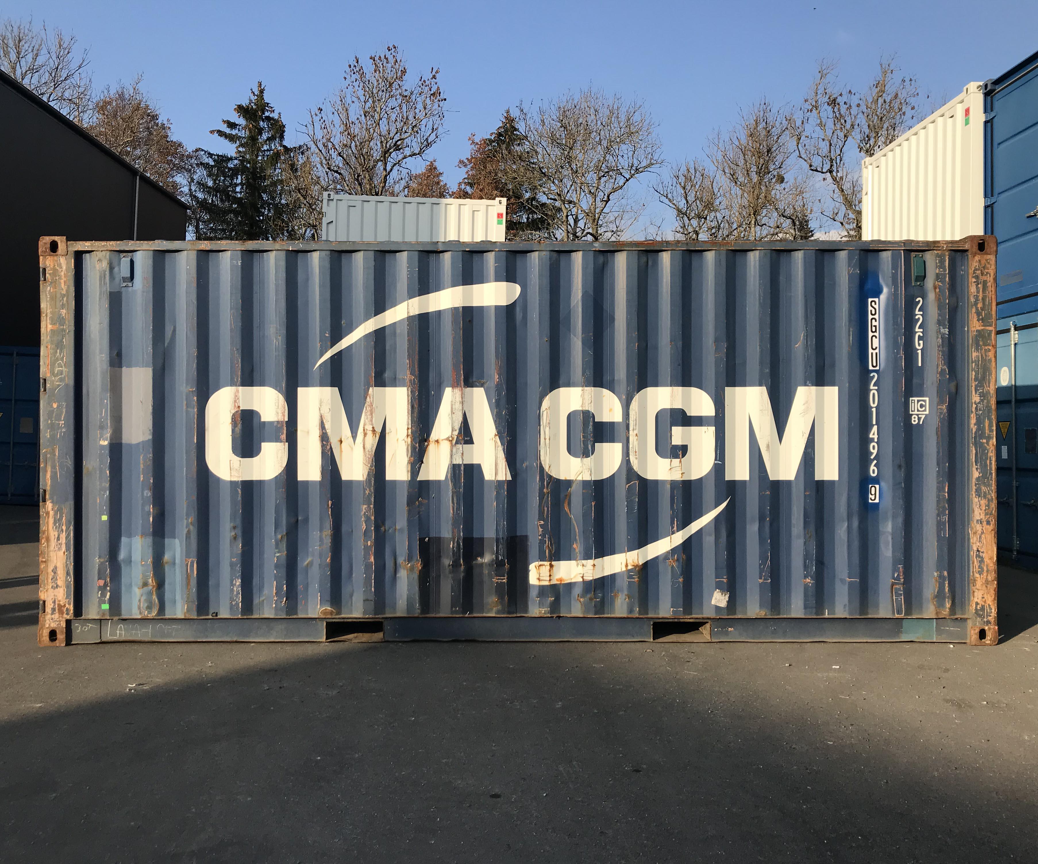 Container maritime bleu dernier voyage