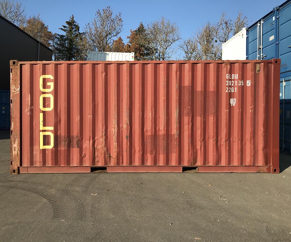 Container maritime rouge dernier voyage